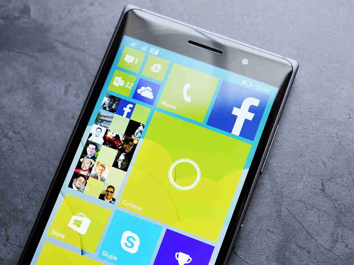 windows-10-phone-tile-sizes-people
