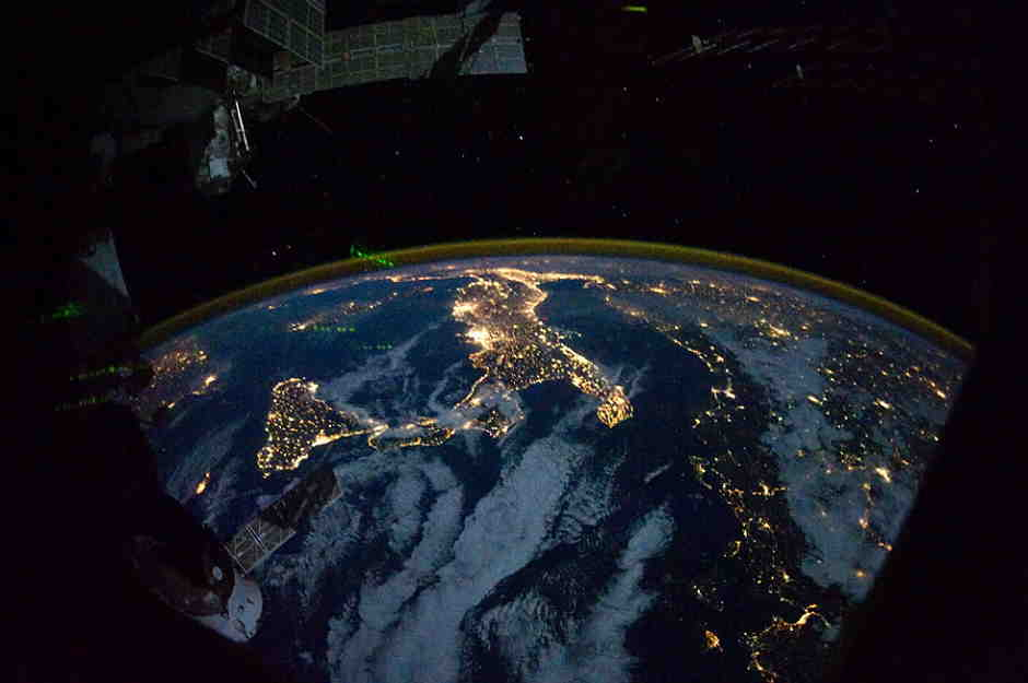 planet-earth-from-space-at-night